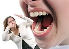 Cara Terbaru Menghilangkan Karang Gigi